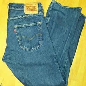501 Levi's Button fly jeans 34x32